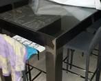 DOSSIER CHAUDRONNERIE-Table métallique avec plateau en verre
