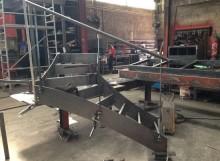 DOSSIER CHAUDRONNERIE-escalier métallique en construction